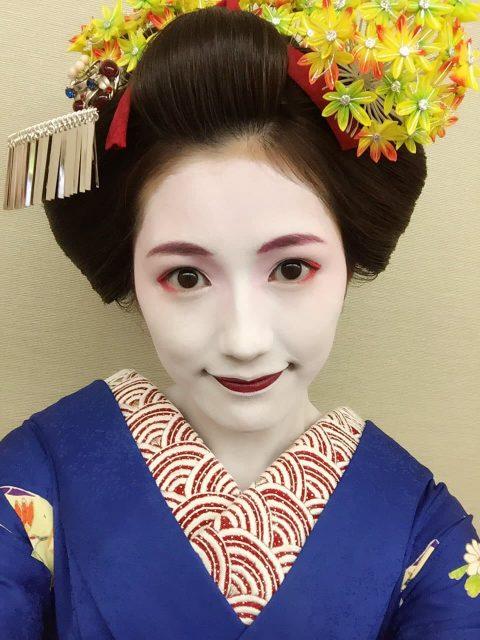 AKB48渡辺麻友、トヨタクラウン新CM「COOL or HOT?」オフショット