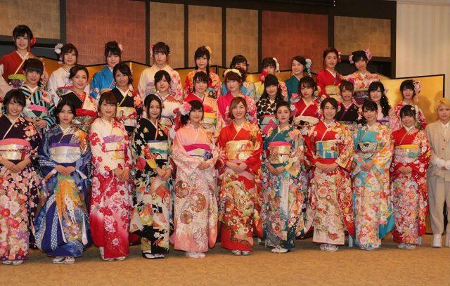 [動画] AKB48グループ32人が振り袖姿で華やかに成人式(MAiDiGiTV)