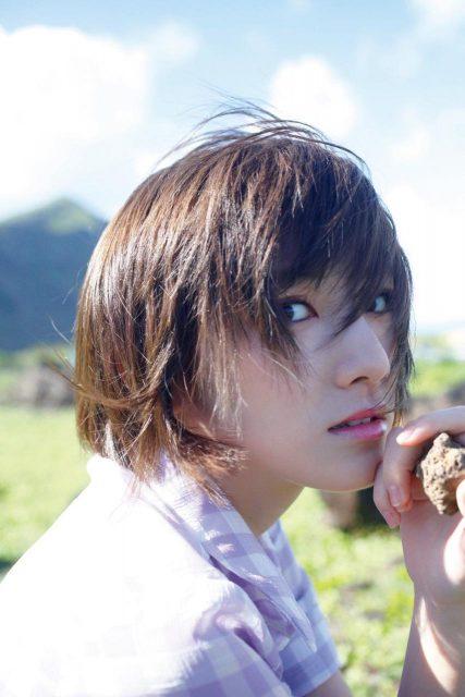 岡田奈々 1st写真集「飾らない宝石」