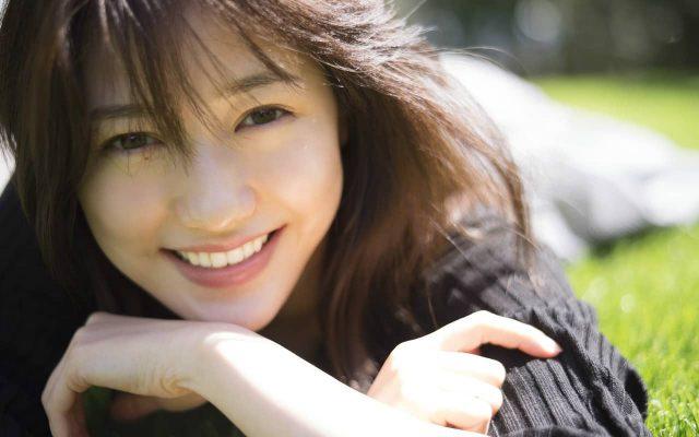 渡辺麻友インタビュー『渡辺麻友が語った、11年間のAKB48生活で「得たもの」「失ったもの」』公開!