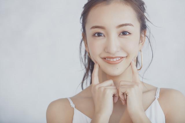 LINE LIVE『板野友美「すき。ということ」リリース記念特番!』 [2/13 21:00~]