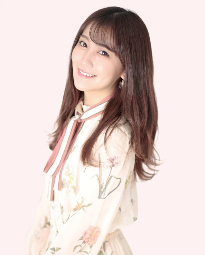 小嶋真子、22歳の誕生日! [1997年5月30日生まれ]
