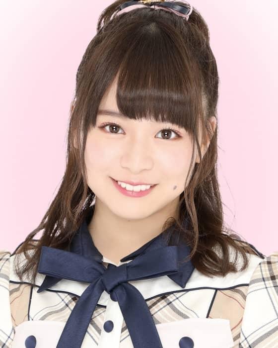 AKB48 チーム8 倉野尾成美が「若っ人ランド」に出演、今年の抱負を街頭インタビュー
