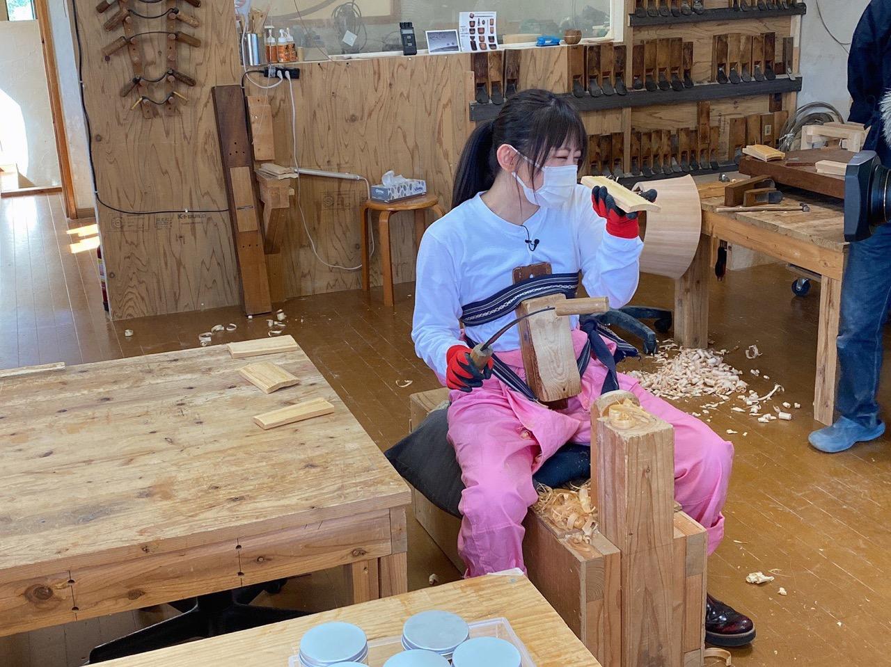 AKB48 チーム8 濵咲友菜が「金曜オモロしが」に出演!新コーナー『はまちゃんのお仕事手伝います!』スタート!【びわ湖放送】