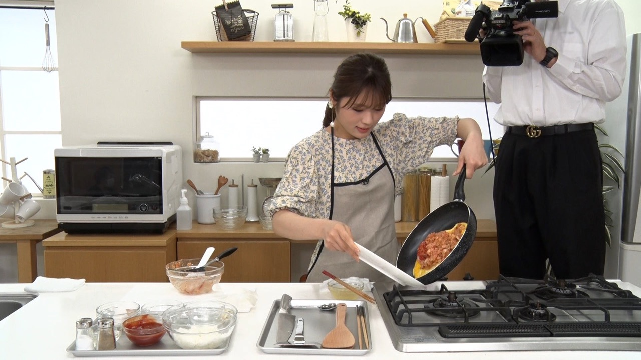 AKB48 柏木由紀、NMB48 渋谷凪咲が「芸能界常識チェック!~トリニクって何の肉!?~」に出演!オムライスの正しい作り方とは?